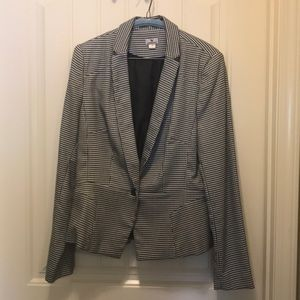 Black and white Worthington blazer